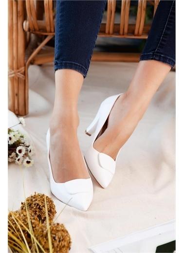 Limoya  Ten Tokalı Kısa Topuklu Stiletto Beyaz